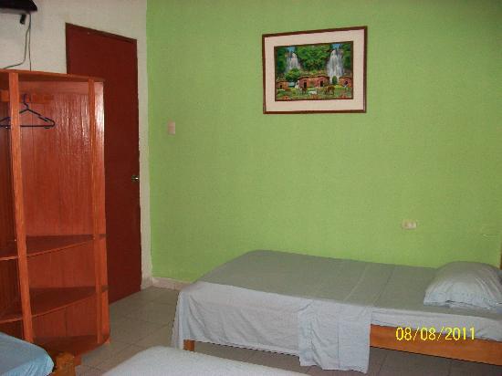 Yacuruna Inn: Habitacion Confortable