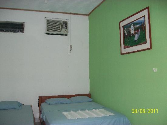 Yacuruna Inn: Habitaciones con Aire acondicionado
