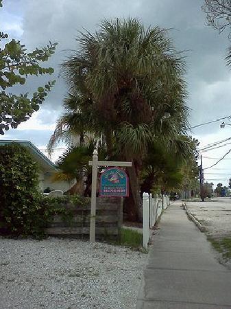 Siesta Pearl : 200 steps down this walkway to the Siesta Key Beach