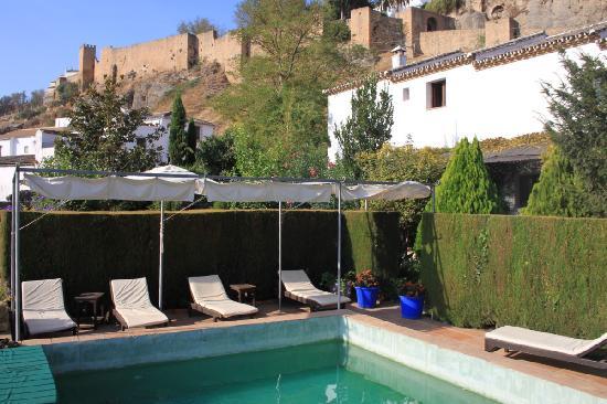 Bad sehr klein aber fein picture of hotel alavera de - Alavera de los banos ...