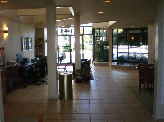 BEST WESTERN De Anza Inn: Lobby