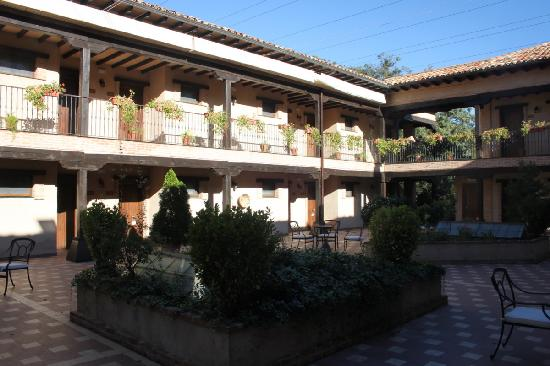 Natural Park Sierra de Cazorla : the hotel is buit aroud a central square