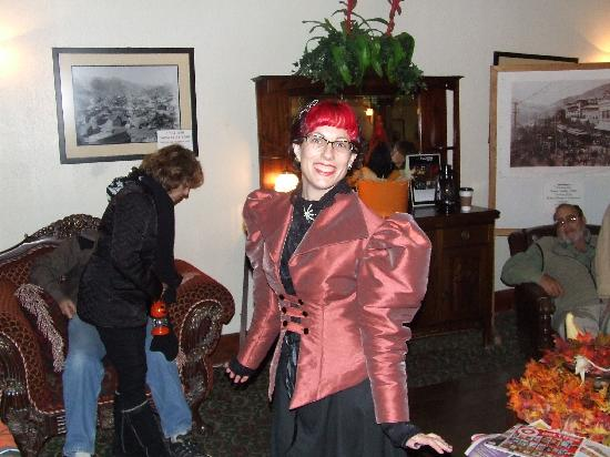 Old Bisbee Ghost Tours: Renee's Personality Comes Through!