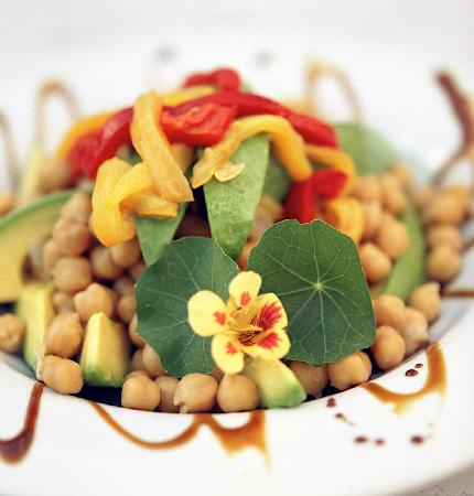 Hopewood Health Retreat: Chick Pea & Avocado Salad