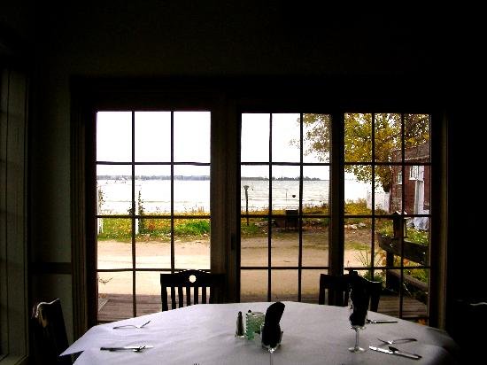 Harbor Fish Market & Grille: Lake Michigan view