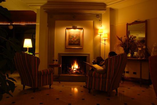 Lounge living picture of balneum boutique hotel b b bagno di romagna tripadvisor - Hotel balneum bagno di romagna ...