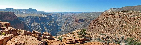 Toroweap Point: Panoramic looking west down the canyon from Toroweap.