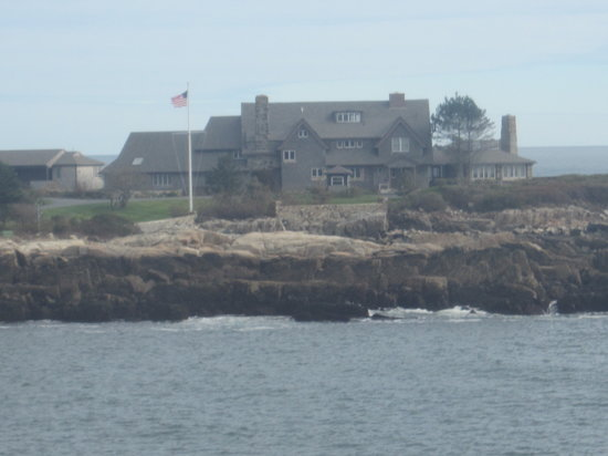 Walker's Point: Bush summer home
