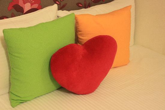 Hualien Sunrise Hostel: Lovly cushion