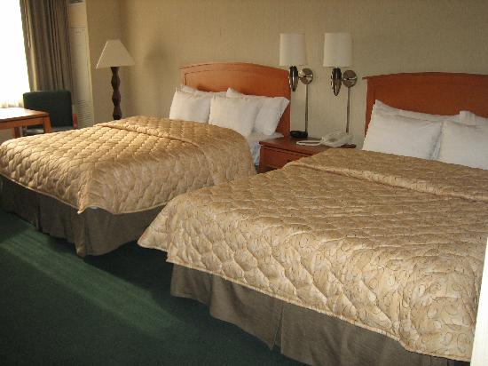Emerald Queen Hotel & Casino: Beds