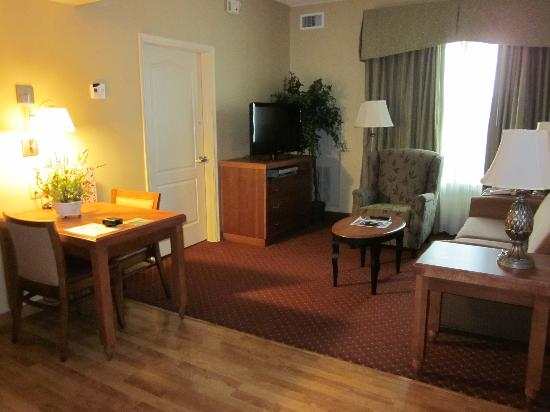 Homewood Suites by Hilton Reading: Living area Room # 136