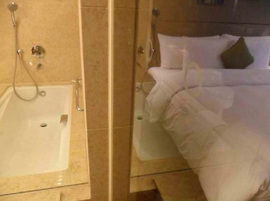 Crowne Plaza Hong Kong Causeway Bay: Crowne Plaza Hotel HK-Frm the shower, you can see the bed and tub