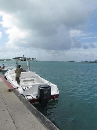 Bahama Boat Tours: Captain Carl and the Boat