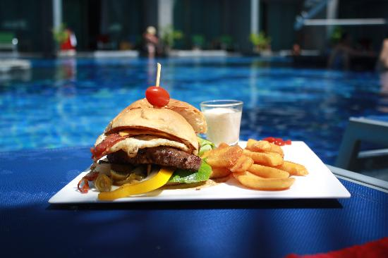 The KEE Resort & Spa: Burger for lunch at pool bar
