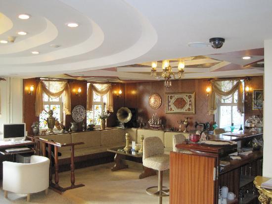 Historia Hotel : Lobby/Bar Area