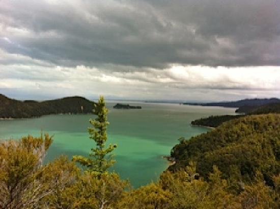 Riwaka Retreat: Stupendous views across the bays