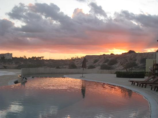 Marquis Los Cabos All-Inclusive Resort & Spa: pool with sunset