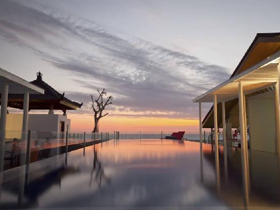 Best Western Kuta Beach: Rooftop Swimming Pool