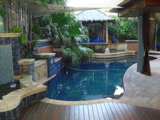 Beach Manor Bed and Breakfast Perth: Anyone for a dip?