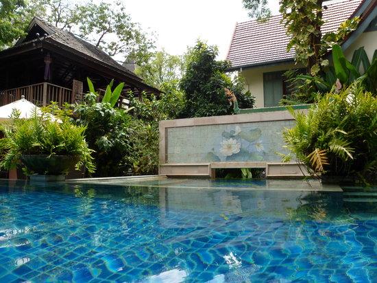 Ariyasomvilla: Pool