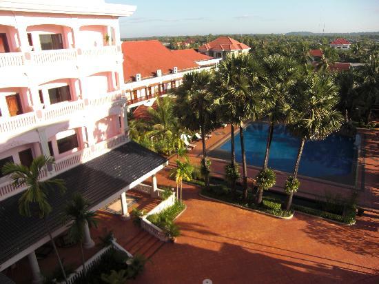 Ree Hotel: vista piscina
