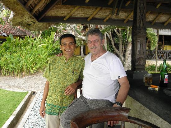Alang-Alang Boutique Beach Hotel: Jun with Alan