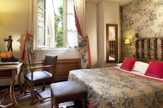 Left Bank Saint Germain: room of the hotel