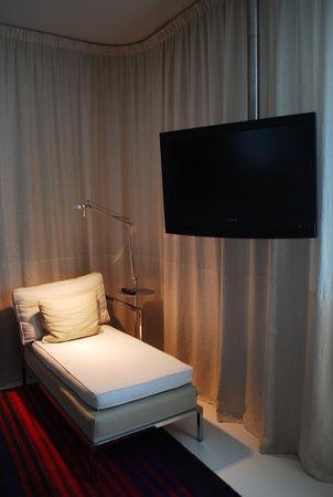 ميليا برشلونة سكاي: room interior 2