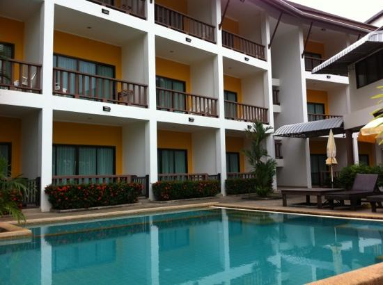 Krabi Cozy Place Hotel: the pool. from the best angle.