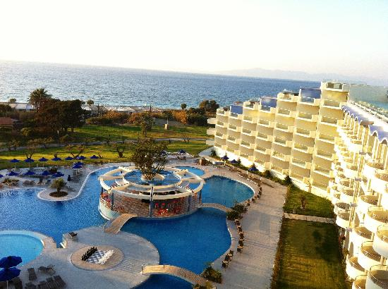 Atrium Platinum Luxury Resort Hotel & Spa: The north and central wings, day time