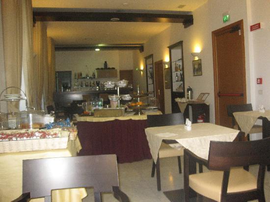 Salle du petit-déjeuner Hôtel Due Colonne