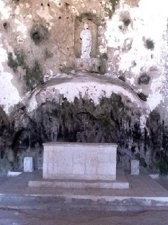 St Pierre Kilisesi: muhtesemm