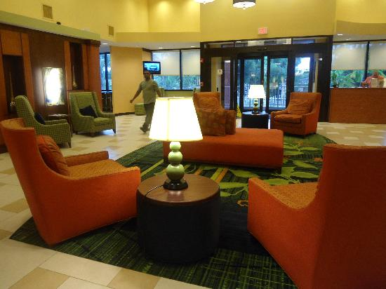 Fairfield Inn & Suites Miami Airport South: front desk