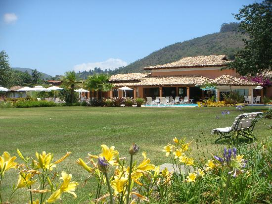Quinta da Paz Resort : Flowers and field I