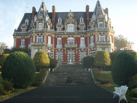 Chateau Impney Hotel & Exhibition Centre: the outside