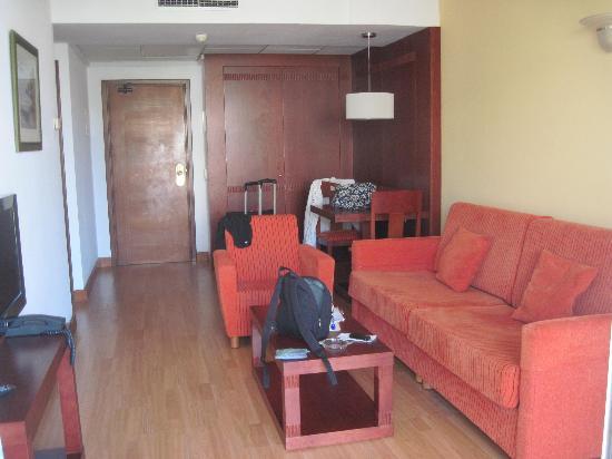 Aparthotel Tropicana Cala Millor: Sauberer Wohnbereich