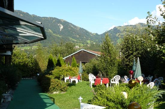 Hotel Edelweiss: View from Room