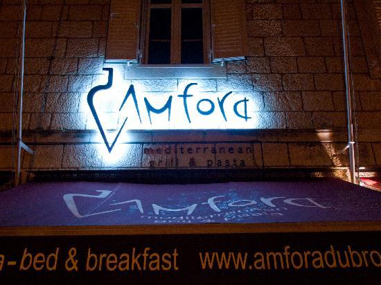 Restaurant Amfora : Night view