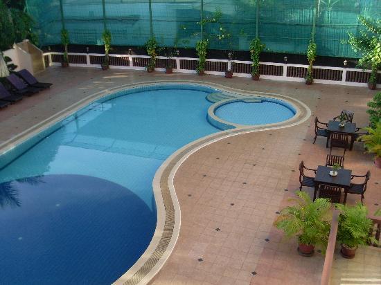 Kingdom Angkor Hotel: La piscine