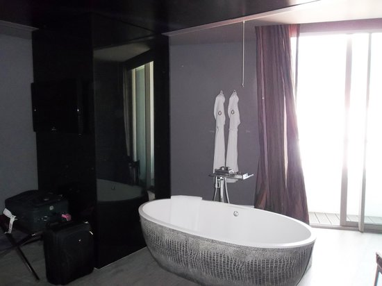 The Vine Hotel: Fabulous place for a relaxing soak