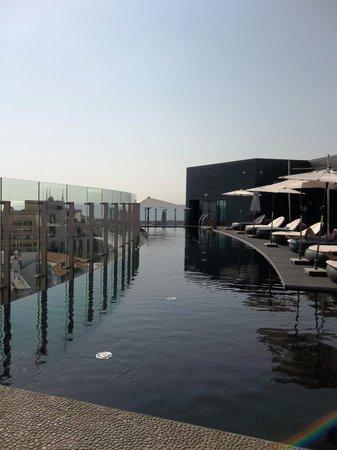 The Vine Hotel: Sensational infinity pool