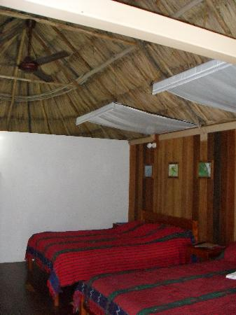 Pook's Hill Lodge: Inside our cabana - jungle style comfort!