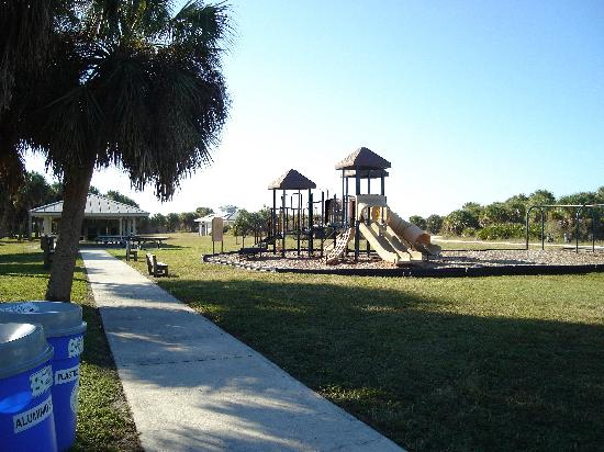 Dunedin, FL: Playground and picnic area