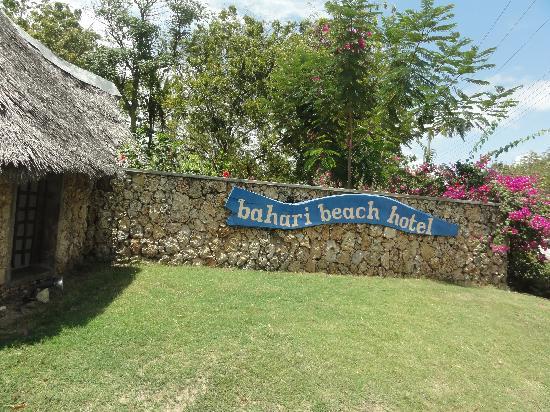 Bahari Beach Hotel : Entrada al hotel Bahari Beach Resort