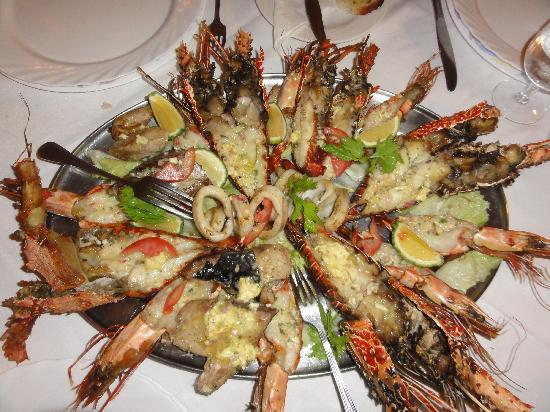 "Bahari Beach Hotel : Esquisita comida en el ""Seafood Restaurant"""