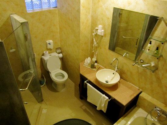 โรงแรมพาวิลเลียน ดิ โอเรียลท์ บูติค: room #10 bathroom