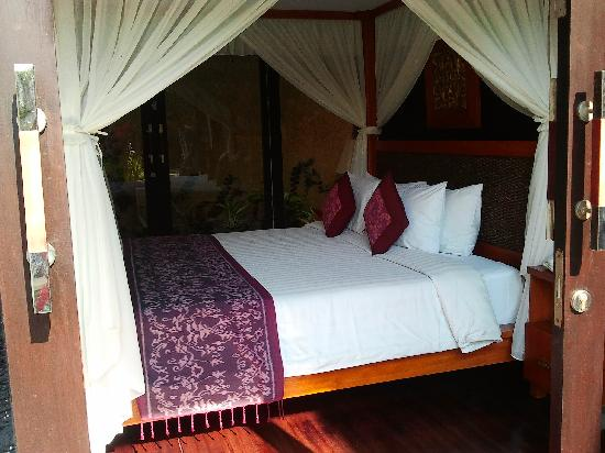 The Sanyas Suite Seminyak: bedroom