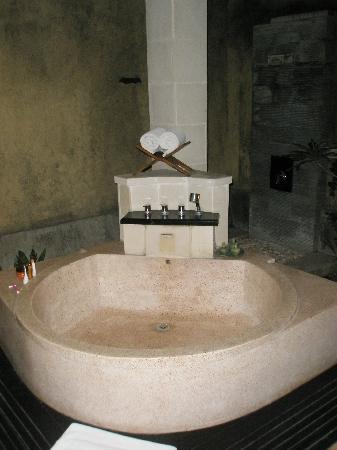 The Sanyas Suite Seminyak: bathroom 2
