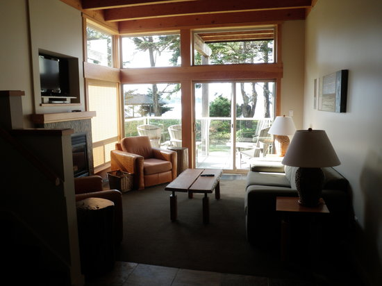 Pacific Sands Beach Resort: inside the suite
