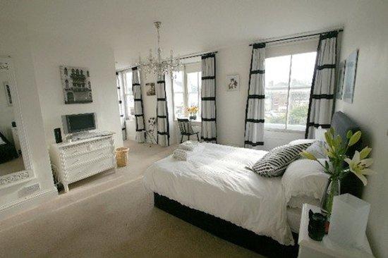 The Quay House Woodbridge: riverside room